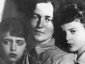 21 - Delio, Giulia e Giuliano - 1933