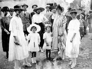 6 - Emma e Teresina Gramsci em Ghilarza - 1919